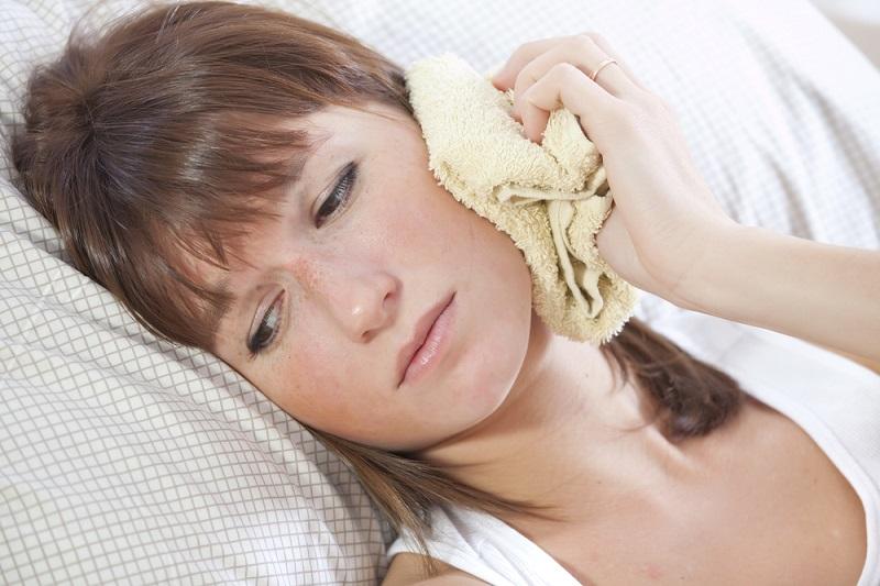 Нашумевшая мазь Елены Сеймовой. При гайморите, отите, нарывах, отеках, женских заболеваниях и суставной боли.