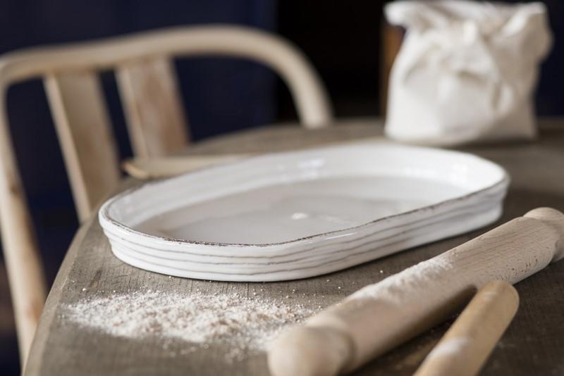 Белое сокровище способно заменить половину твоей косметички. И даже на кухне пригодится.