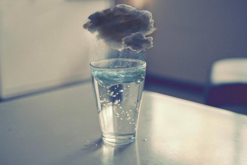 «Опусти стакан!» — отличная притча о том, как нужно относиться к любым проблемам