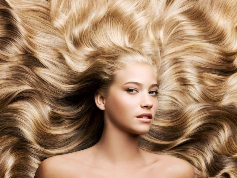 Перестаньте вредить своим волосам! Вот 7 привычек, которыми вы каждый день их портите