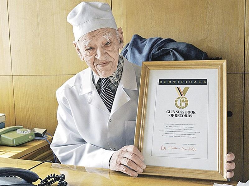 Диета известного хирурга помогла наконец поменять размер на S. Спасибо, профессор Углов!