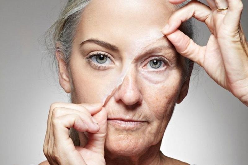 Бархатная кожа без тонального крема и пудры! Намочи это под краном и просто протри лицо.