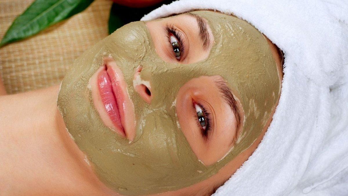 Колючая маска с бадягой, «стирающая» морщины с лица: домашний уход вместо мезотерапии