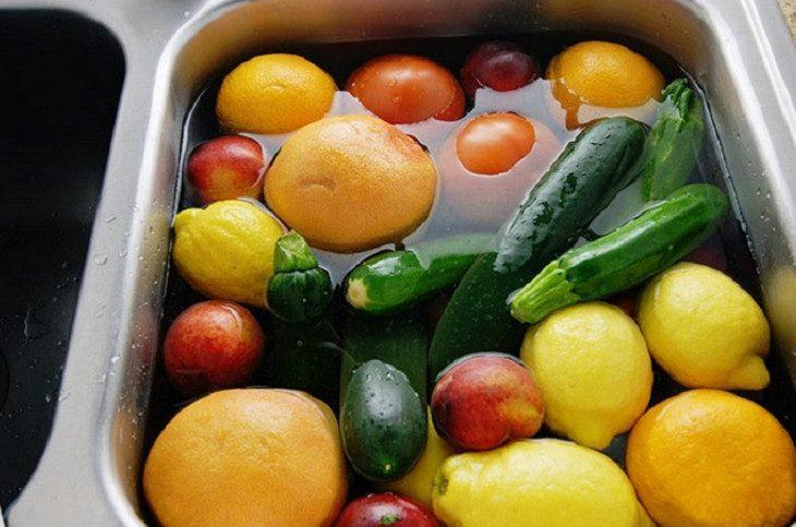 20 идей, как использовать перекись водорода… Для быта, здоровья и даже для выведение пестицидов из овощей!