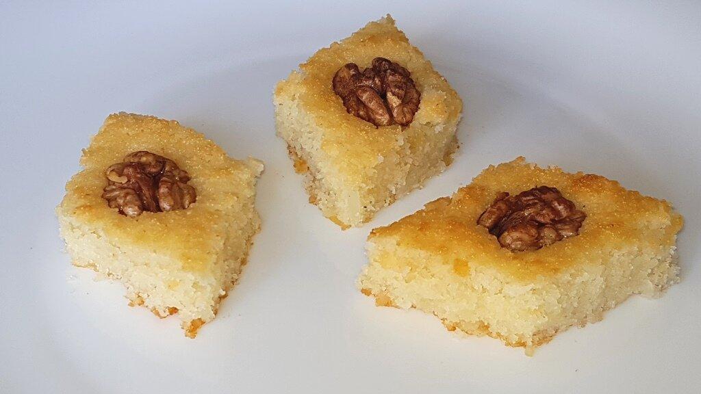 Восточная сладость Басбуса, готовится проще некуда. Без муки. Без Яиц