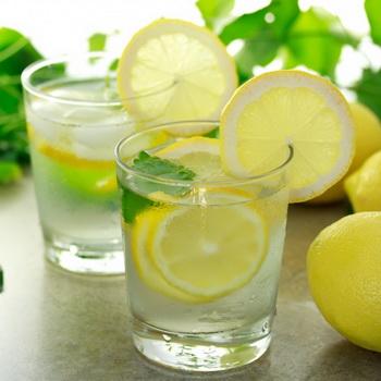 Пьем воду с лимоном и заботимся о своем здоровье!Полезные свойства воды с лимоном…