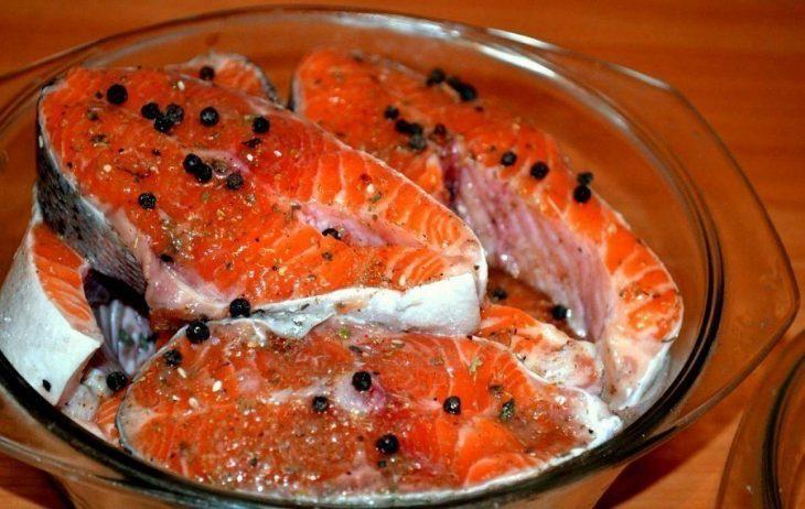 Солим рыбу вкусно и оригинально! Рыбку можно так солить любую.