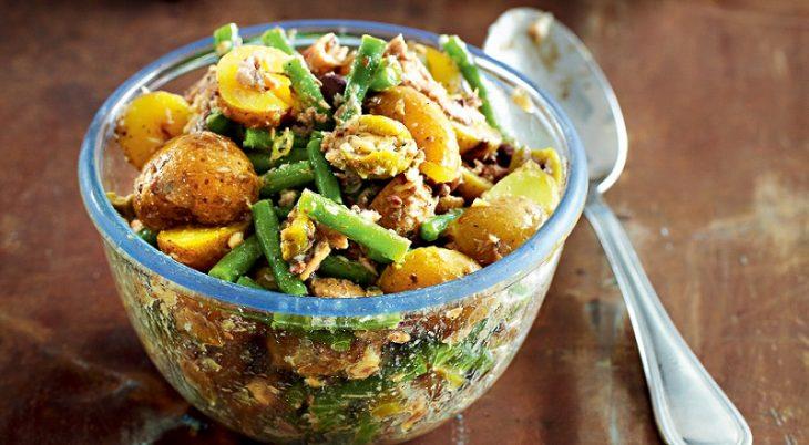 Рецепт самой вкусной жареной картошечки и необычного салата с молодым картофелем