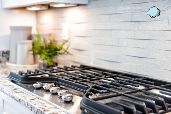Как очистить плиту от жира и нагара?
