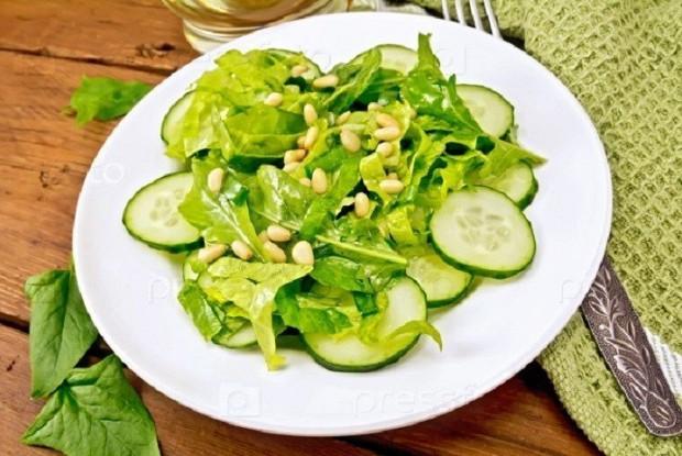 Новый суперский салат со свежими огурцами