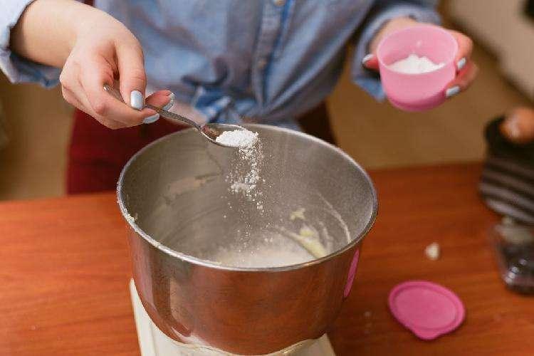 Сода и разрыхлитель: в чем разница и когда что применять